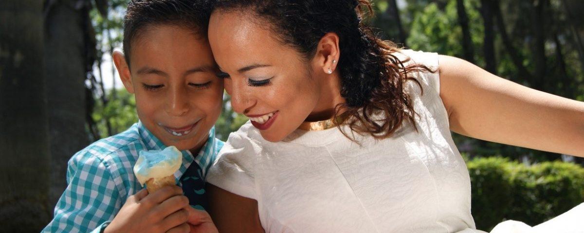 Madame la maîtresse et Super mom- Cidney Lerider - Psychologue Coach